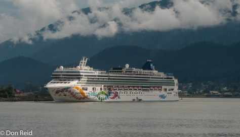 Norwegian Pearl at berth in Juneau