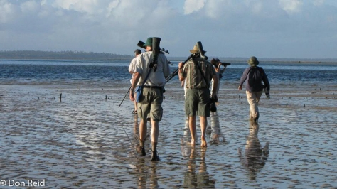 Heading to the Barra mudflats (Photo : Katherina Grafin von Durkheim)