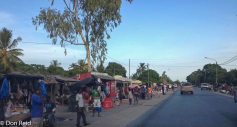 Village scene, Inhassoro - Beira road
