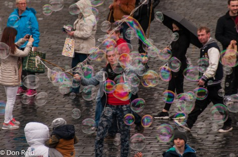 Prague - bubble makers on Square